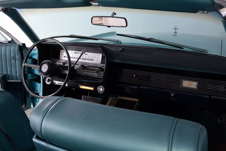 1967 Lincoln Continental Image 30