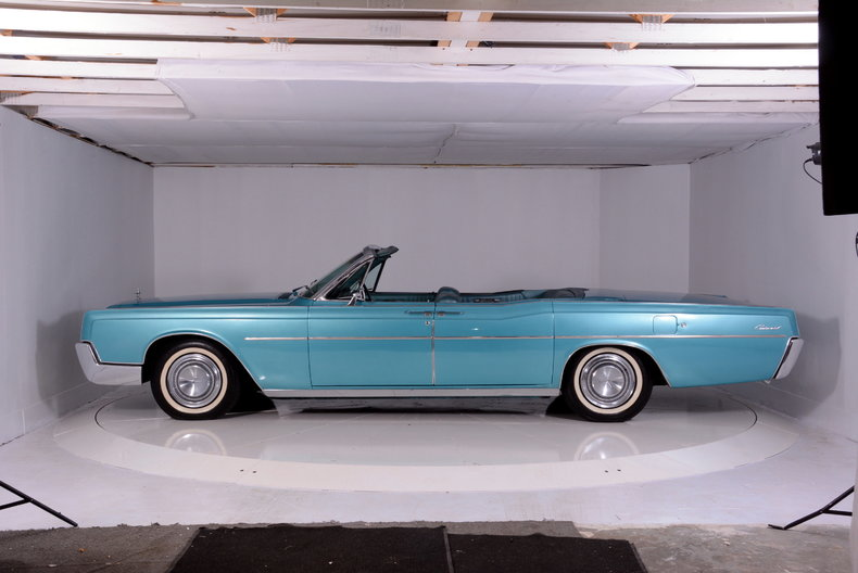 1967 Lincoln Continental Image 44