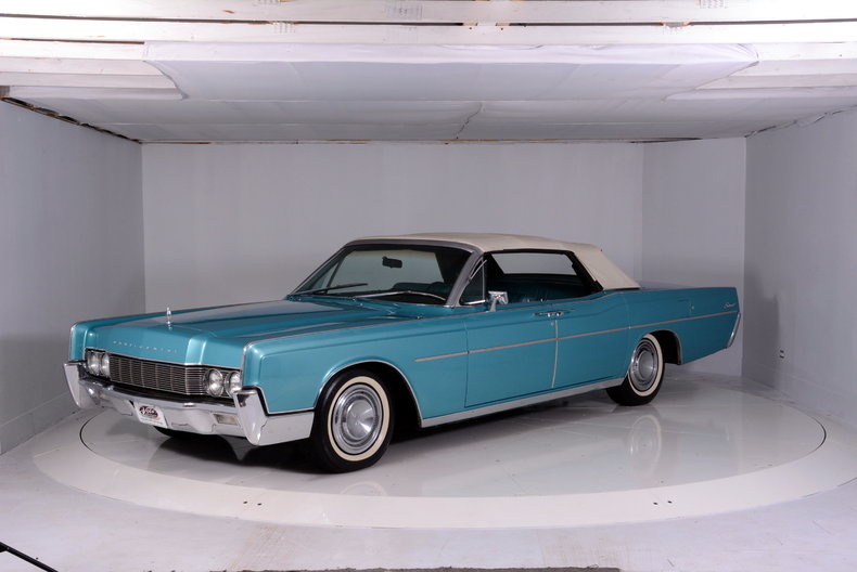 1967 Lincoln Continental Image 60