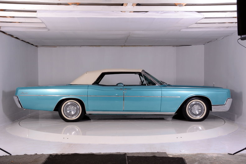 1967 Lincoln Continental Image 73