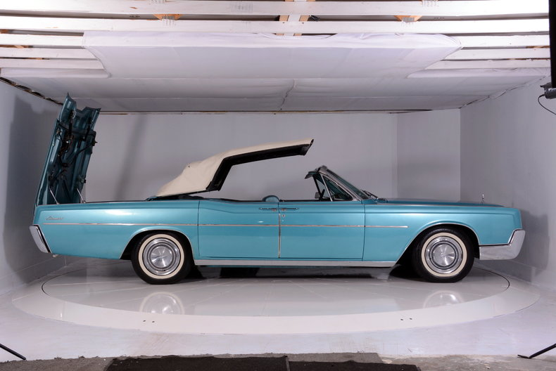 1967 Lincoln Continental Image 77
