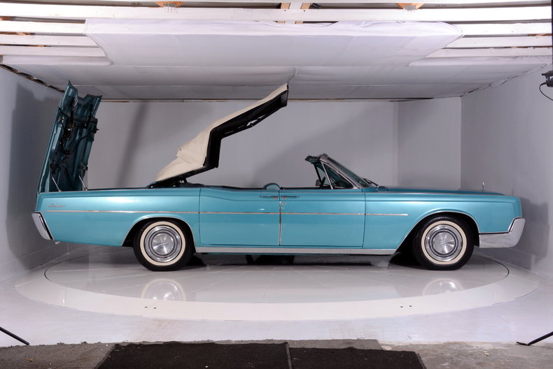 1967 Lincoln Continental Image 78