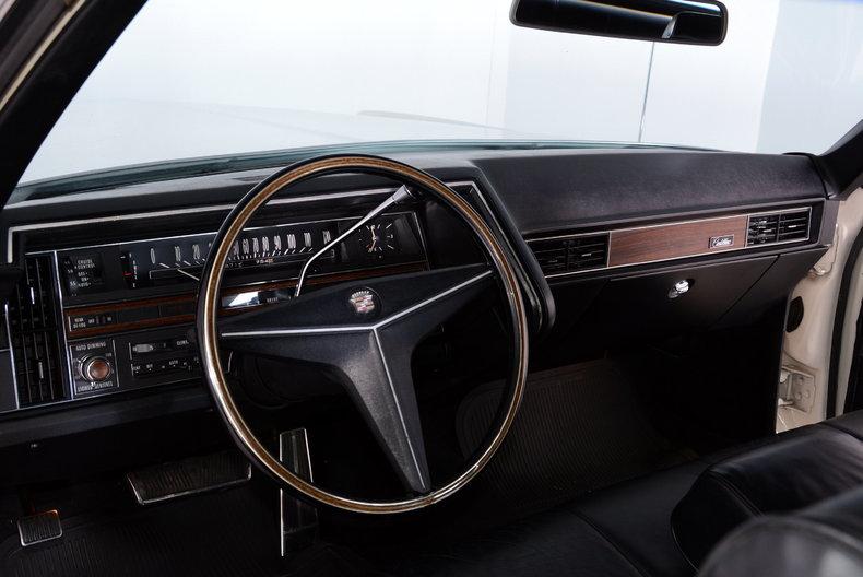1969 Cadillac deVille Image 2