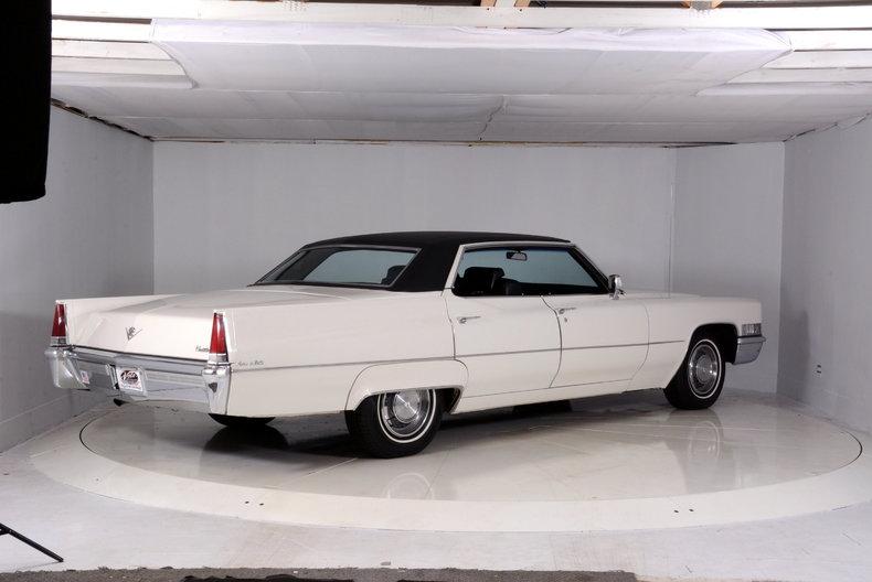 1969 Cadillac deVille Image 3