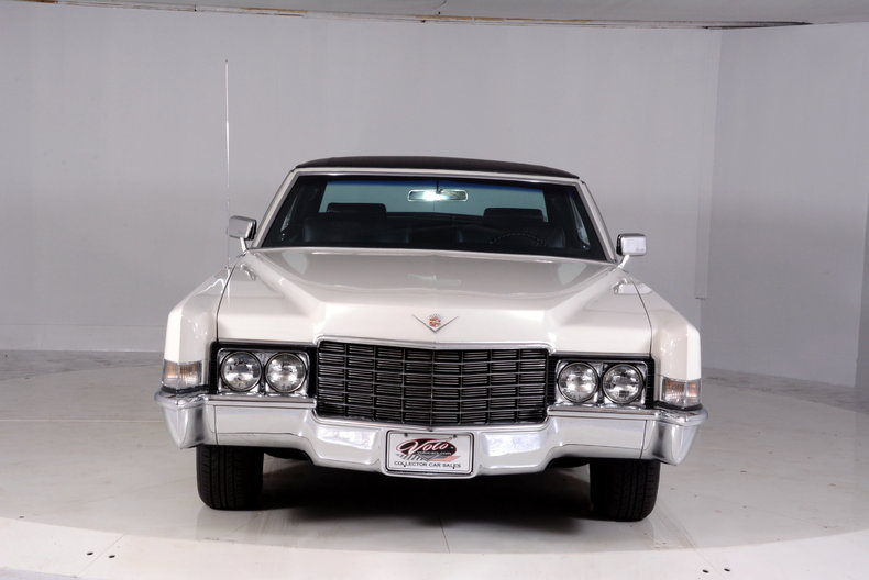 1969 Cadillac deVille Image 11