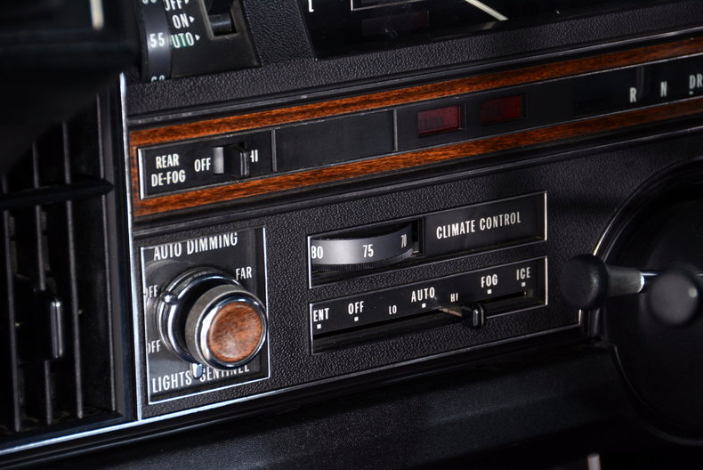 1969 Cadillac deVille Image 19