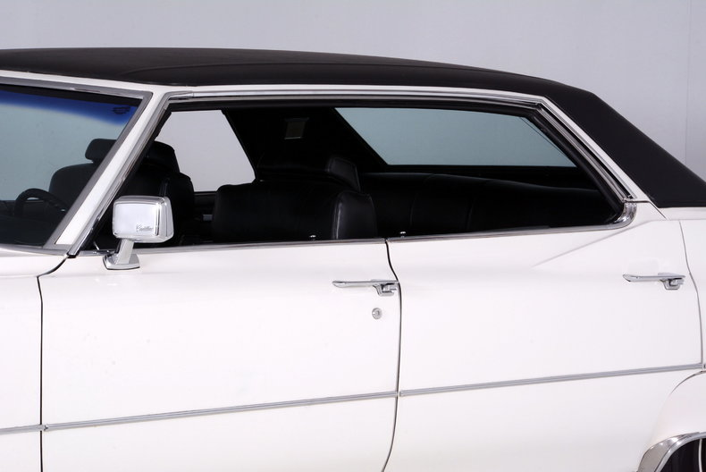 1969 Cadillac deVille Image 30