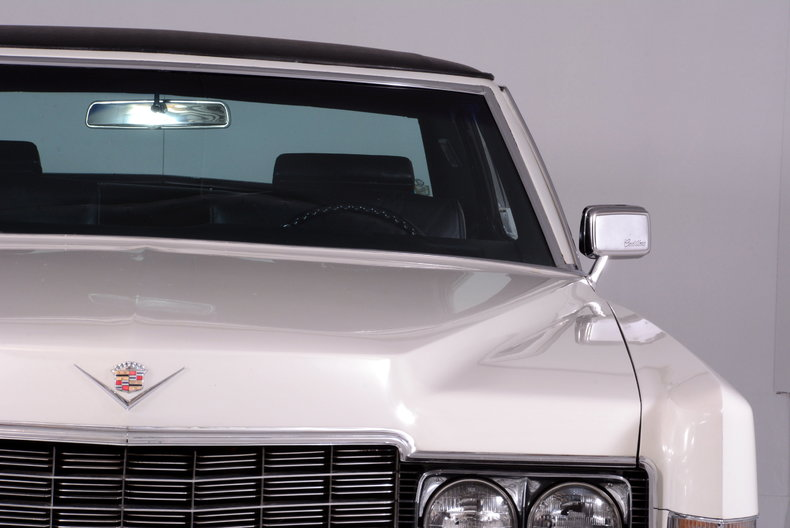 1969 Cadillac deVille Image 32