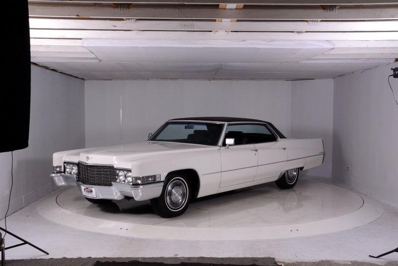 1969 Cadillac deVille Image 35