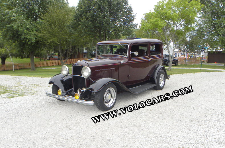 1932 Ford Custom Image 1