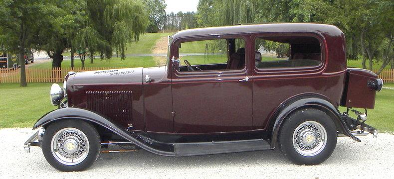 1932 Ford Custom Image 2
