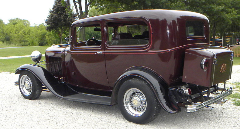 1932 Ford Custom Image 3
