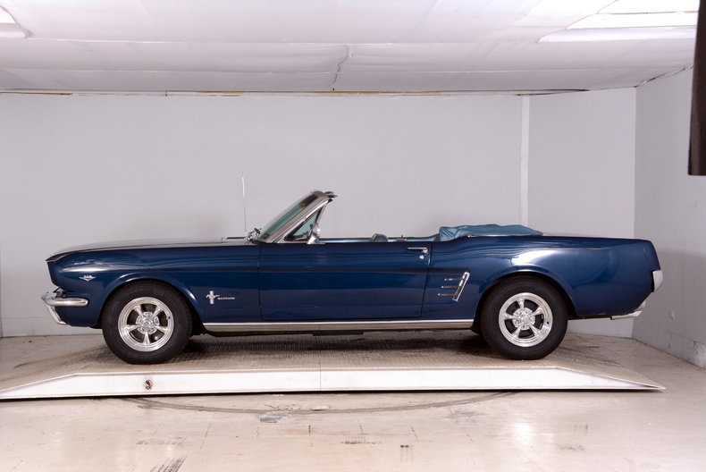 1966 Ford Mustang Image 39