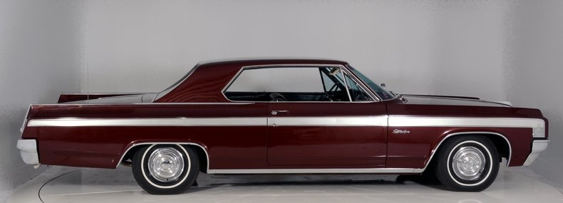 1963 Oldsmobile Starfire Image 9