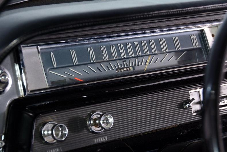 1963 Oldsmobile Starfire Image 14
