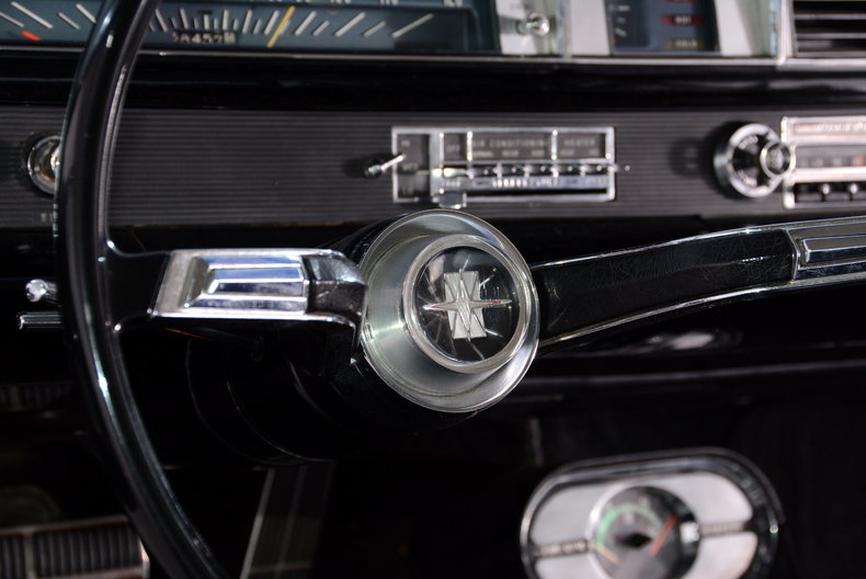 1963 Oldsmobile Starfire Image 38