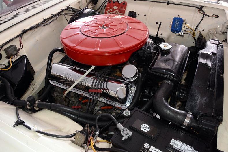 1960 Ford Thunderbird Image 4