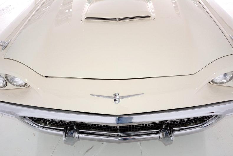 1960 Ford Thunderbird Image 5