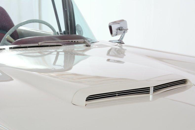 1960 Ford Thunderbird Image 7