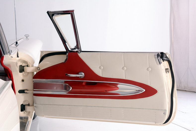 1960 Ford Thunderbird Image 16