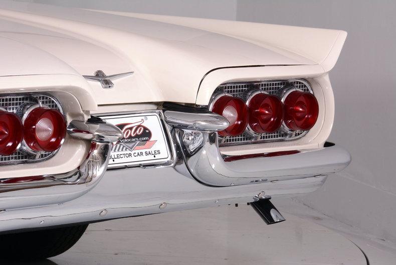 1960 Ford Thunderbird Image 17