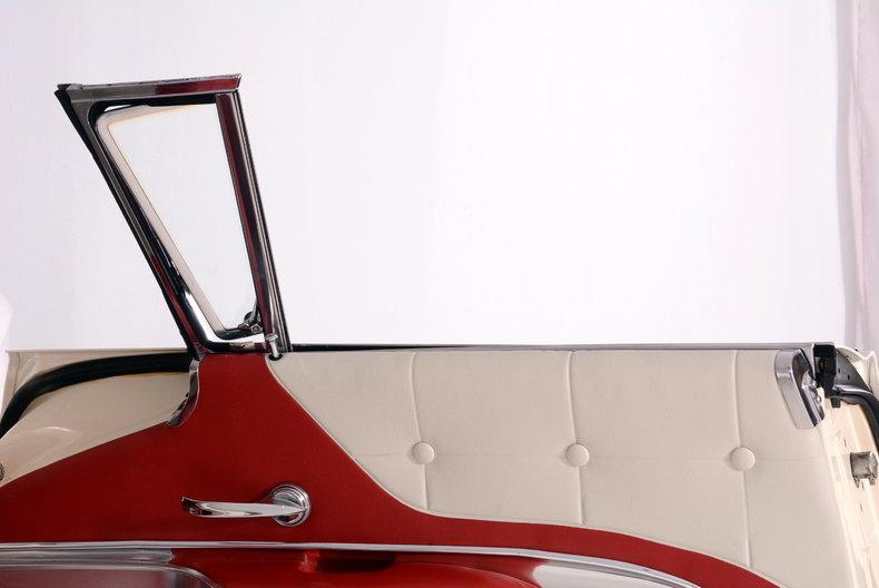 1960 Ford Thunderbird Image 28