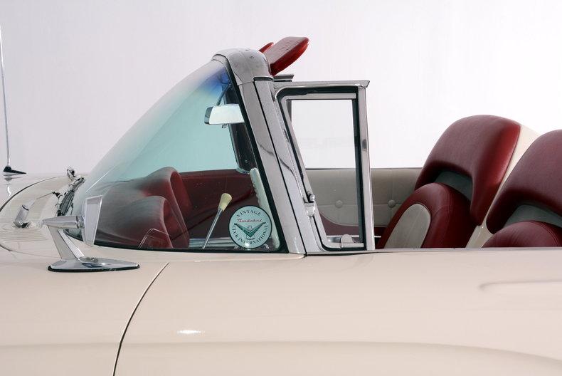 1960 Ford Thunderbird Image 34