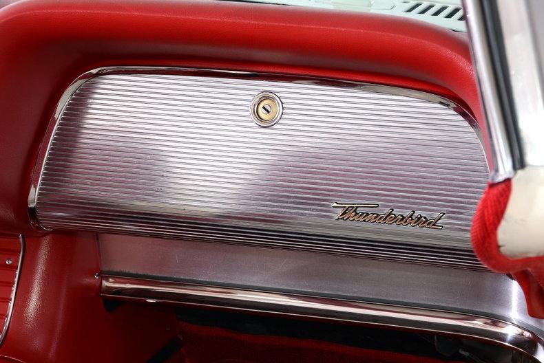 1960 Ford Thunderbird Image 35
