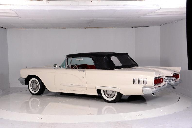 1960 Ford Thunderbird Image 38