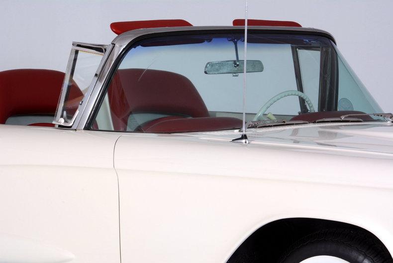 1960 Ford Thunderbird Image 41
