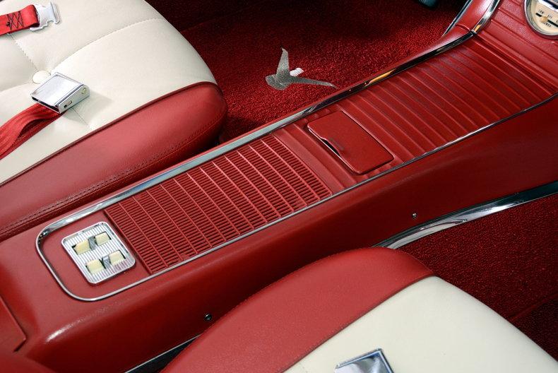 1960 Ford Thunderbird Image 48