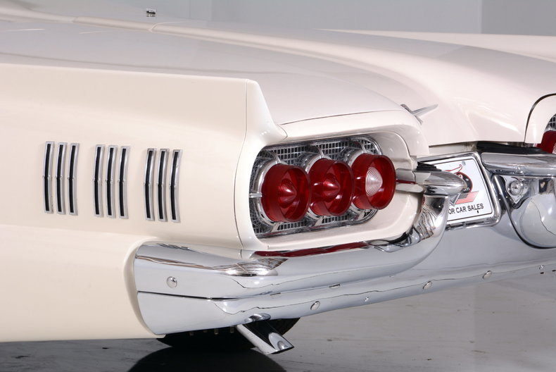 1960 Ford Thunderbird Image 49