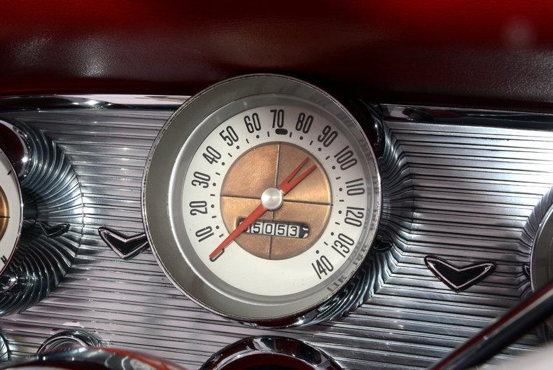 1960 Ford Thunderbird Image 56