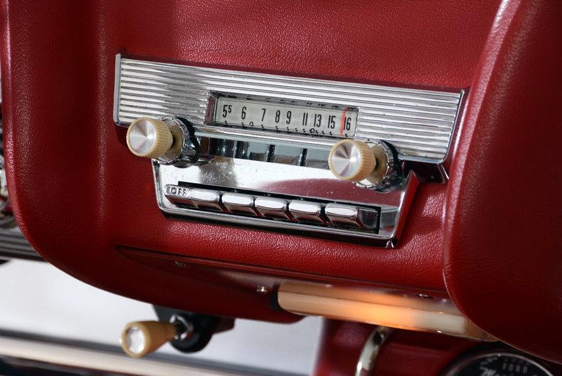 1960 Ford Thunderbird Image 58