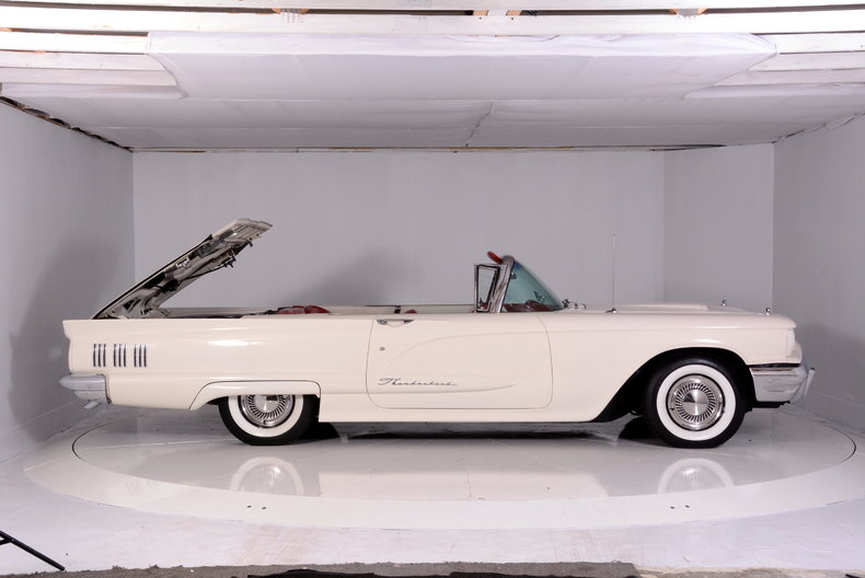 1960 Ford Thunderbird Image 66