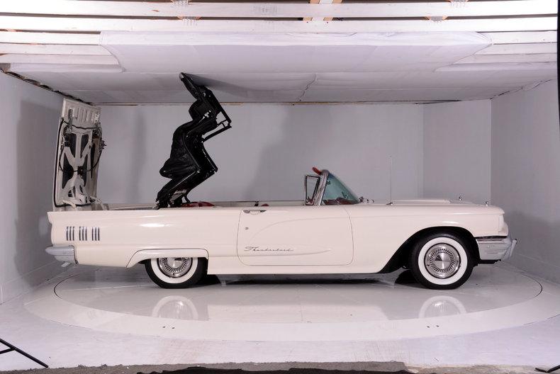 1960 Ford Thunderbird Image 69