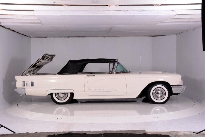 1960 Ford Thunderbird Image 71