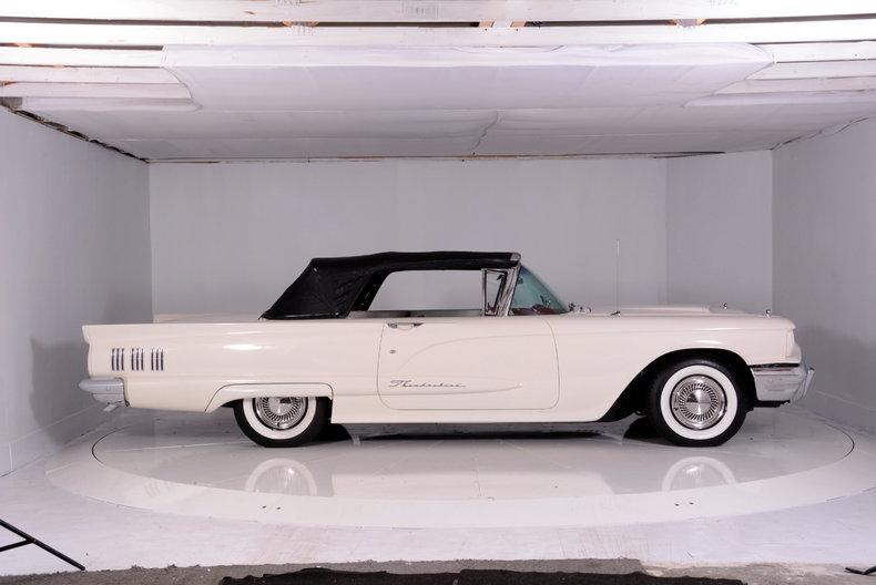 1960 Ford Thunderbird Image 72
