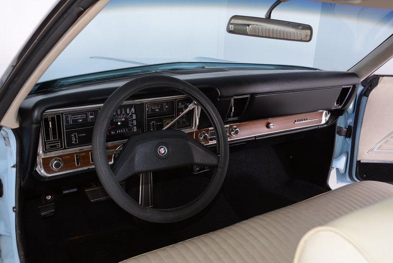 1969 Buick Riviera Image 2
