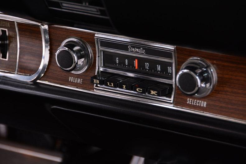 1969 Buick Riviera Image 10