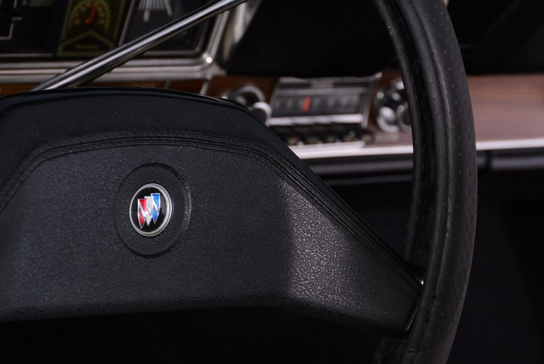 1969 Buick Riviera Image 28