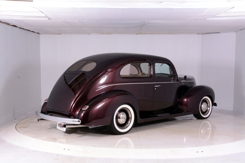 1940 Ford Deluxe Image 3