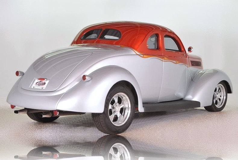 1937 Ford  Image 3