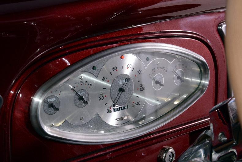 1933 Pontiac 601 Image 2