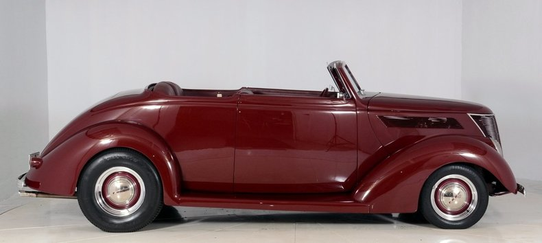 1937 Ford  Image 10