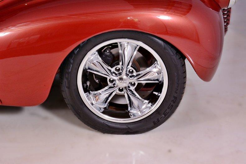 1940 Chevrolet  Image 24