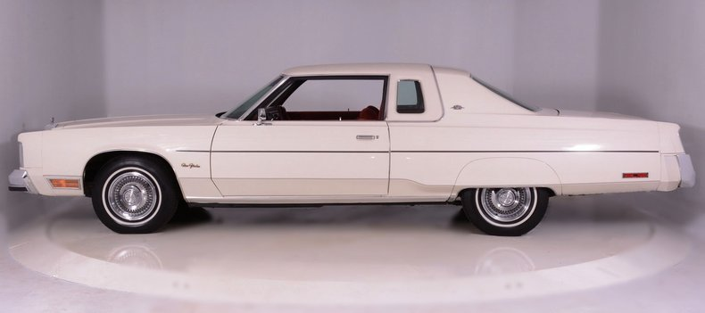 1977 Chrysler New Yorker Image 11