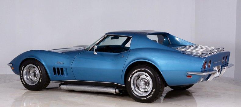 1969 Chevrolet Corvette Image 11