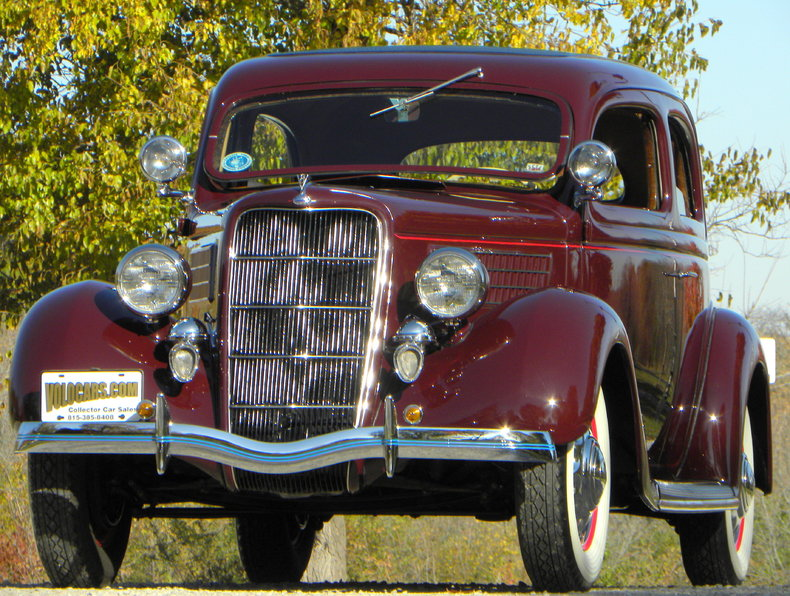 1935 Ford Deluxe Image 4
