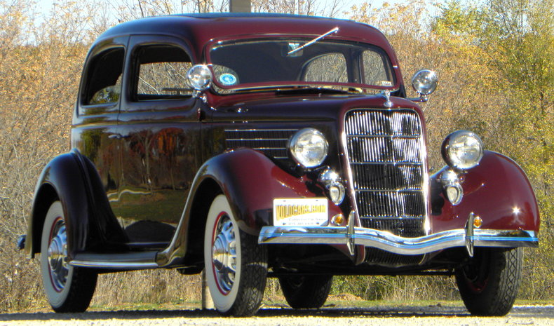 1935 Ford Deluxe Image 8